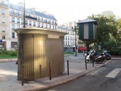 2011-09-19-sanisette-75010-square-alban-poste-012.jpg